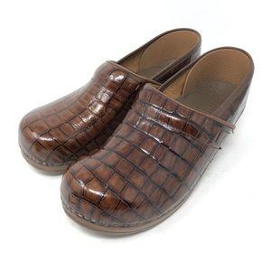 Sanita Danish Brown Patent Leather Clogs Size 41